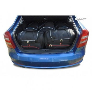 Kit de mala sob medida para Skoda Octavia Hatchback (2008 - 2013)