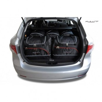 Kit de mala sob medida para Toyota Avensis Touring Sports (2009 - 2012)