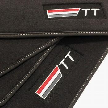 Tapetes Audi TT 8S (2014 - atualidade) veludo logo