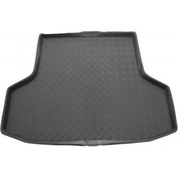 Proteção para o porta-malas do Mitsubishi Carisma