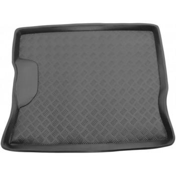 Proteção para o porta-malas do Volkswagen Golf 2